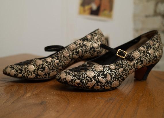 1930s Handmade Vintage Gold Black Brocade Shoes