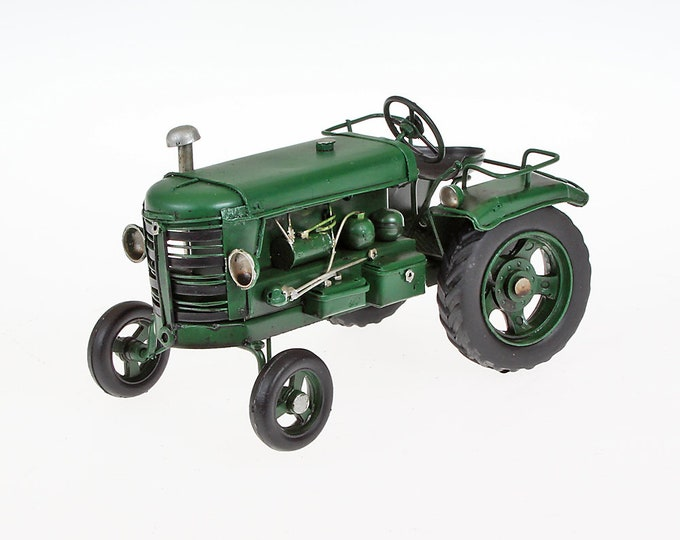 Sheet metal model Small tractor LBH about 15 cm x 9 cm x 8 cm