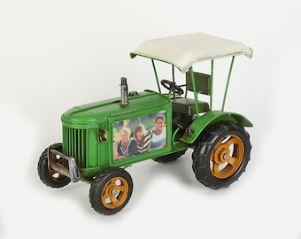 Sheet metal model and picture frame Tractor green with roof size approx. 29x15.5 x 18.5 cm