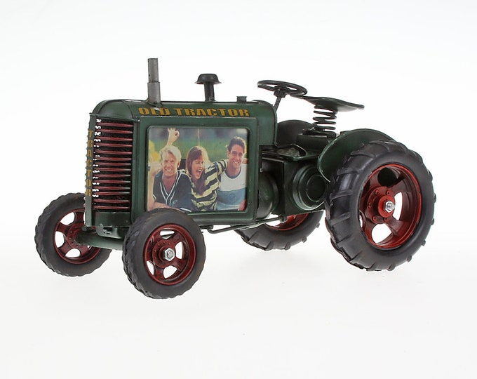 Sheet model picture frame tractor green size about 25.5x14.5 x 16.5 cm
