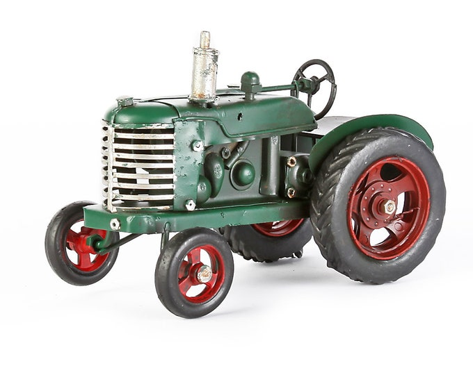 Sheet metal model small tractor green handmade one-piece size about 8 x 15 cm