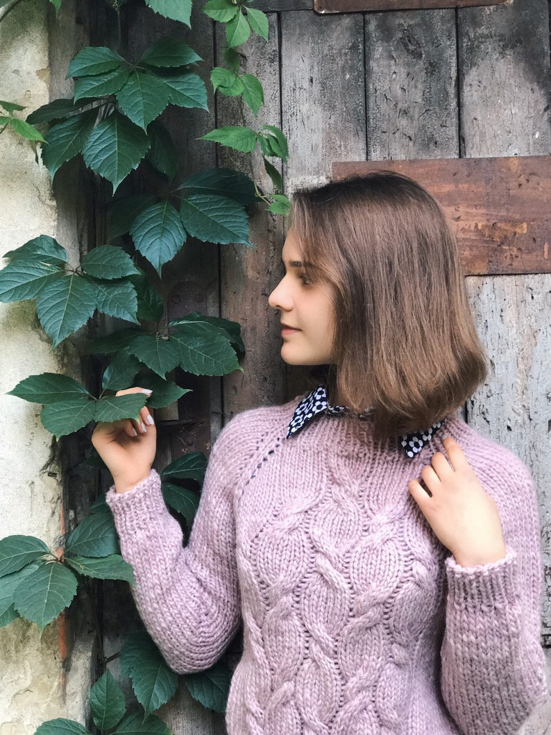 Classic pink powder sweater without seams