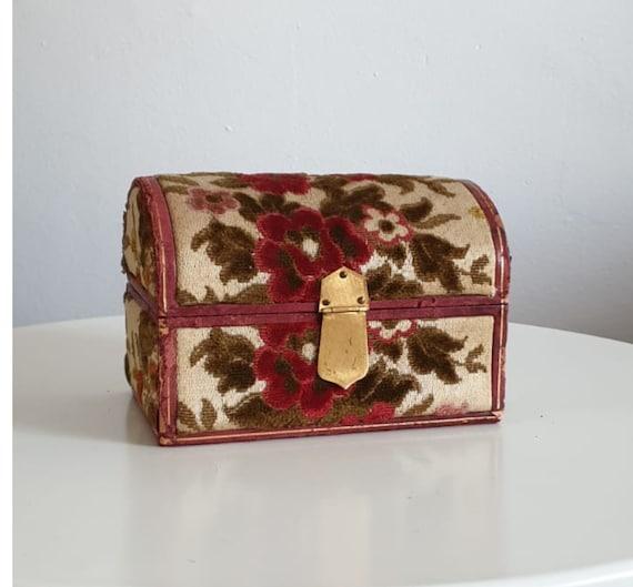 Vintage velvet  jewelry box | tapestry storage box