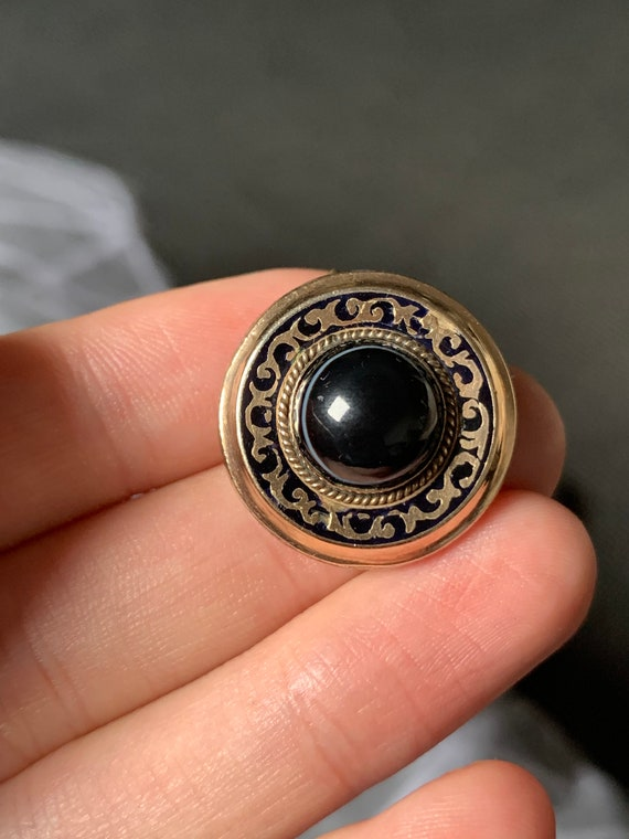 Antique 9ct gold cased enamel agate brooch