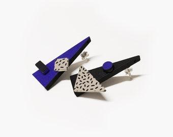 Cobalt blue earrings | triangle mismatched geometric earrings big | 80s earrings | Ohrringe geometrisch | Ohrringe holz | bold earrings