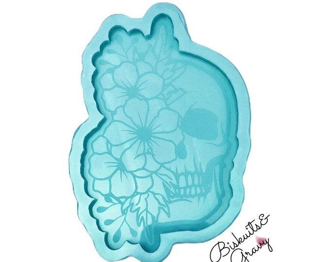Etched skull flower mold