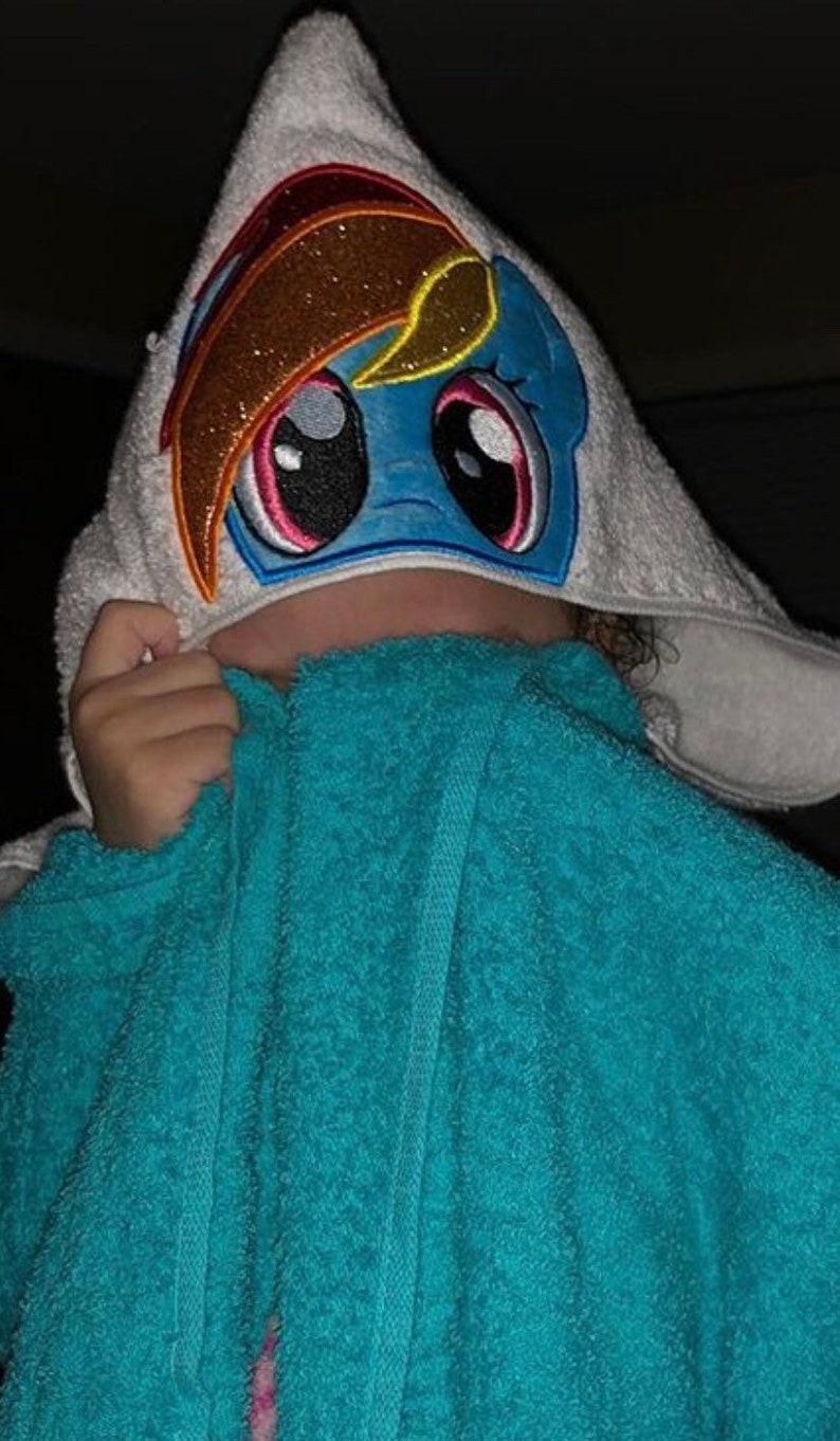 Baby Shark Hooded Bath Towel