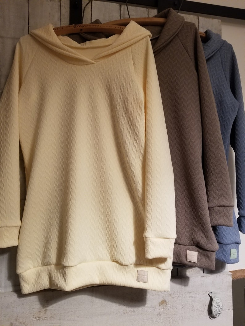 4-colour plain tunic or sweater available