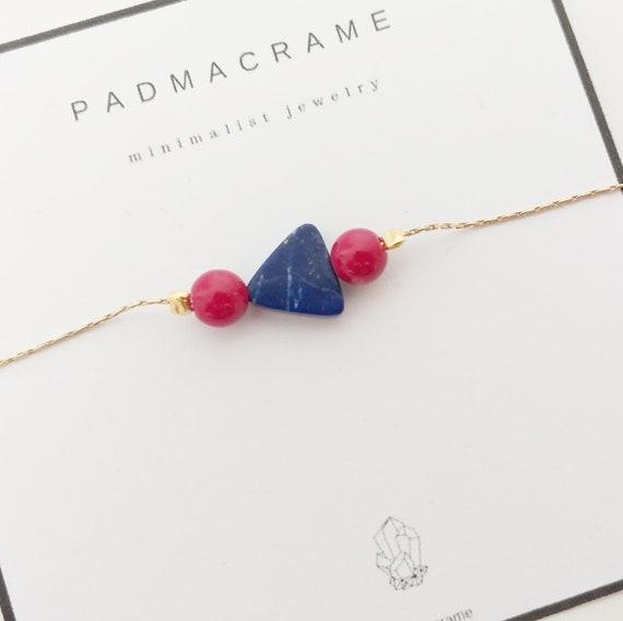 Pulsera protección de plata chapada en oro: lapislázuli y coral