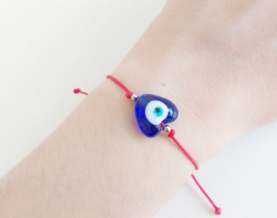 Pulsera roja protectora ojo turco corazón