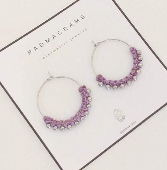 Pendientes de macramé y acero: color lila claro