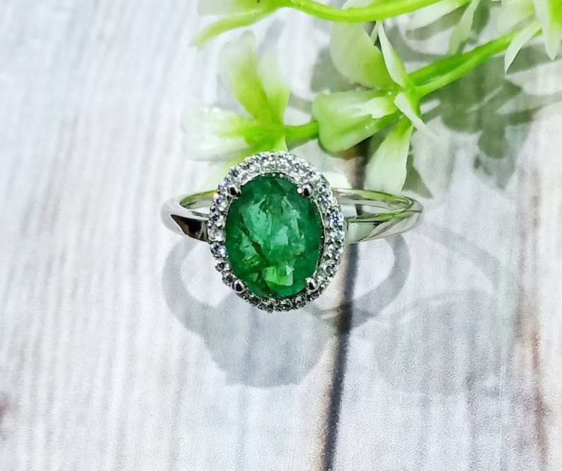 Engagement Ring 14k White Gold Natural Emerald /& Diamonds Oval Shape Gemstone Ring Size Select Precious Ring May Birthstone Ring