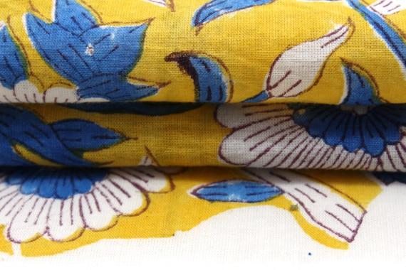 Tissu fleuri jaune et bleu de la robe en Voile de coton Sanganeri Cour fabrication de Voile tissu d'impression bloc indien d782bb