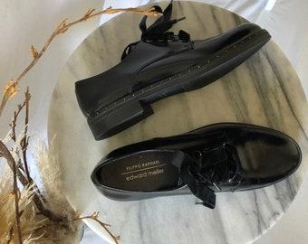 76c1d04d7bd3 Vintage Lace Up Shoes