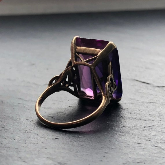 Large Art Deco Amethyst Gold Cocktail Ring - image 2