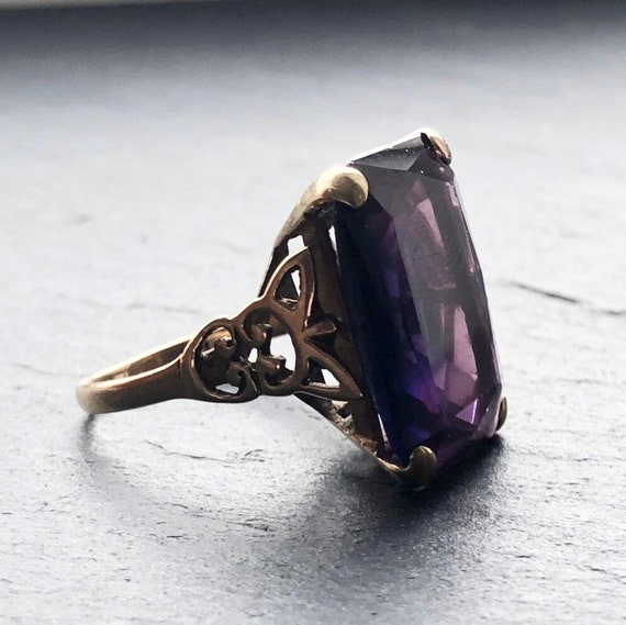 Large Art Deco Amethyst Gold Cocktail Ring