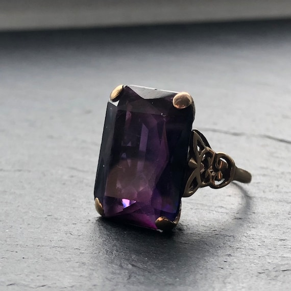 Large Art Deco Amethyst Gold Cocktail Ring - image 4