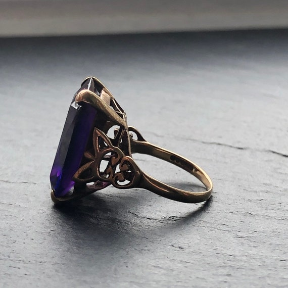 Large Art Deco Amethyst Gold Cocktail Ring - image 3