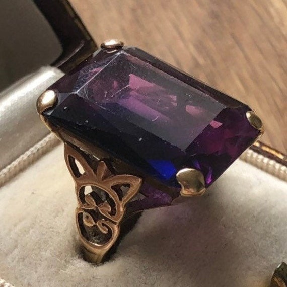 Large Art Deco Amethyst Gold Cocktail Ring - image 7