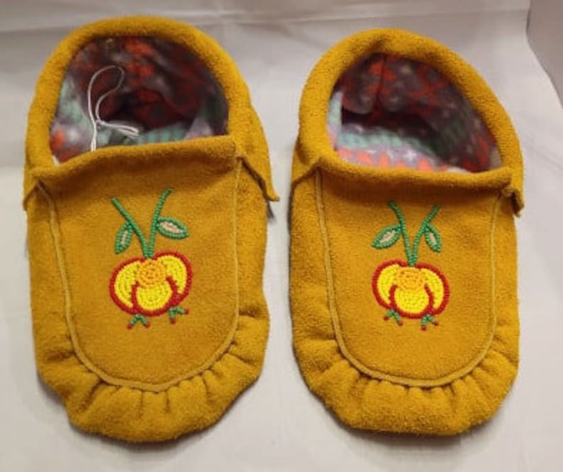 93ab8577b7dbc Commercial moose hide moccasins