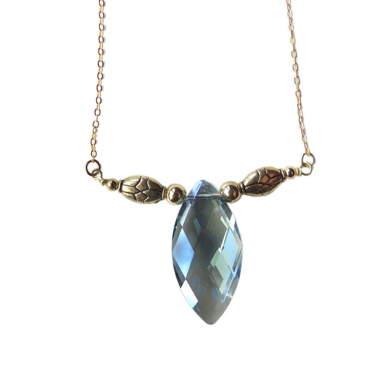 League of Legends Jewelry: Blue Nexus Necklace inspired by image 0