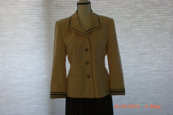 Womens Jacket by Leslie Fay