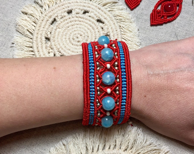 Tribal macrame bracelet with blue, silver and white beads. Bohemian bracelet, macrame bracelet