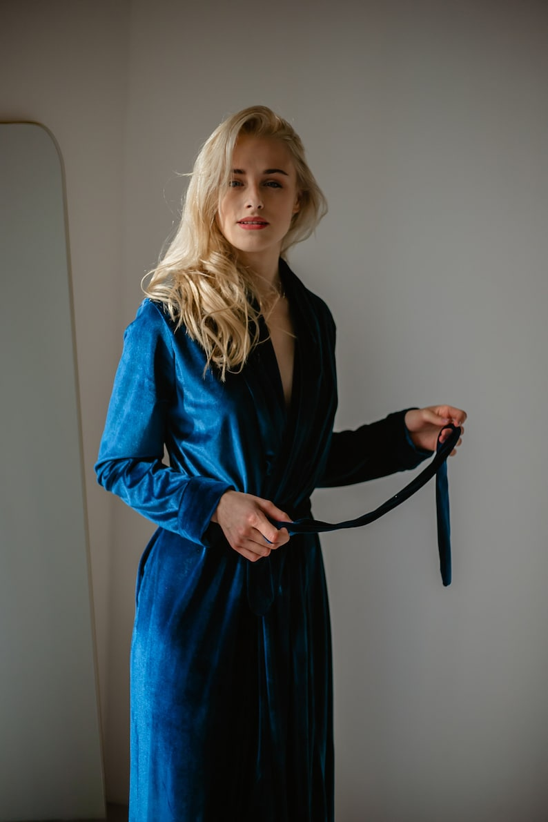 Vintage Nightgowns, Pajamas, Baby Dolls, Robes Velvet Long Robe bride robe bridesmaids robes womens velvet robe long velour robe. $92.80 AT vintagedancer.com