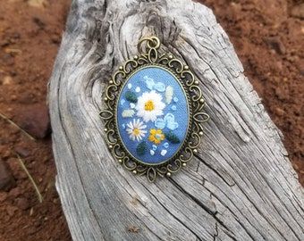 Hand Embroidered Daisy Flowers on Blue Linen Necklace, Embroidered Edwardian Victorian Style Necklace in Antique Bronze Pendant & Chain