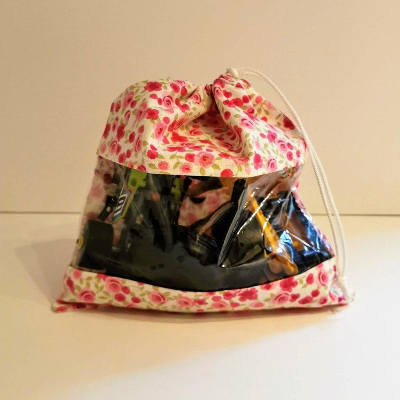 Drawstring Travel Toy Bag Vinyl Window Children/'s Peek A Boo Toy Bag Floral Print Fabric.