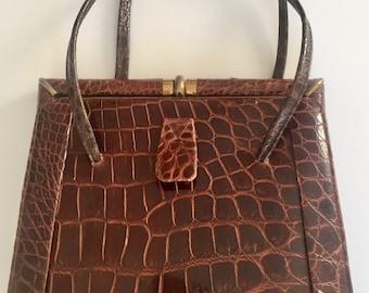 b2135e6fdc72 Exceptional Vintage mock croc brown handbag