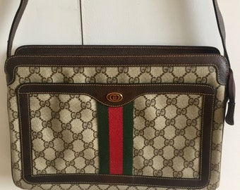 6c19151a179 Gucci classic crossbody bag