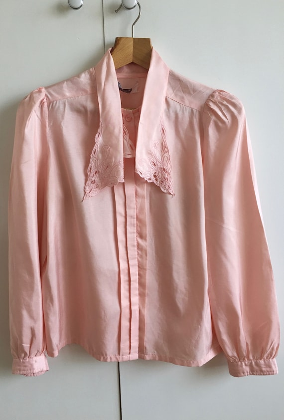 Vintage pink shirt with puff sleeves and poets col