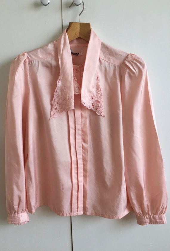 Vintage pink shirt with puff sleeves and poets co… - image 9