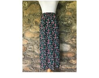 29661ca203d 1990 s Tulip Midi Skirt By Sag Harbor