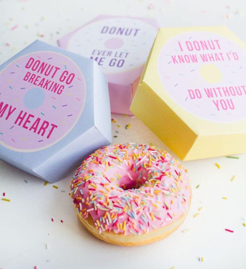 Hexagonal donut box  SVG  studio3 image 1