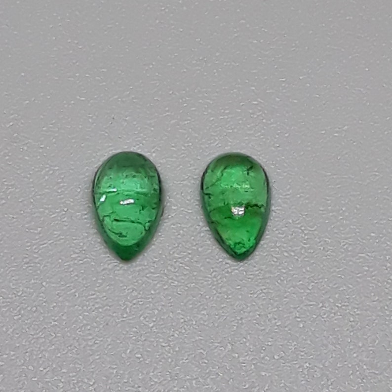 Superb Natural Emerald plain cabochon pear shape loose Gemstone for jewelry making