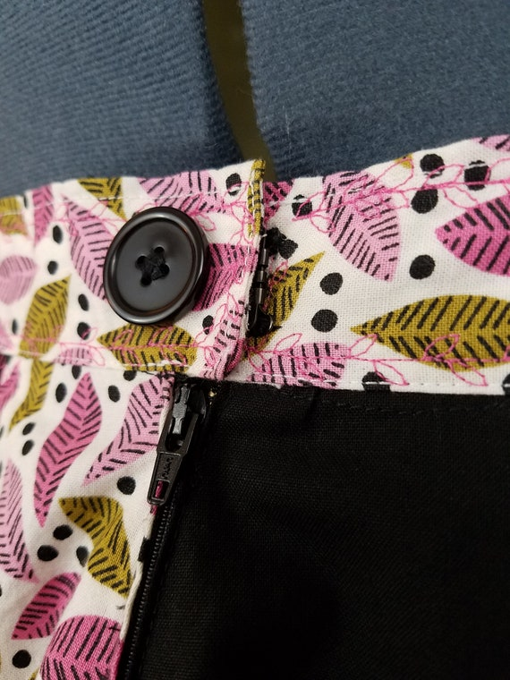 Leaf  Black 16 Paneled Patchwork Size XL Extra Large Full Circle Skirt  Waist Size 35.5  Length 23.5  Polka Dots Leaves Pink White