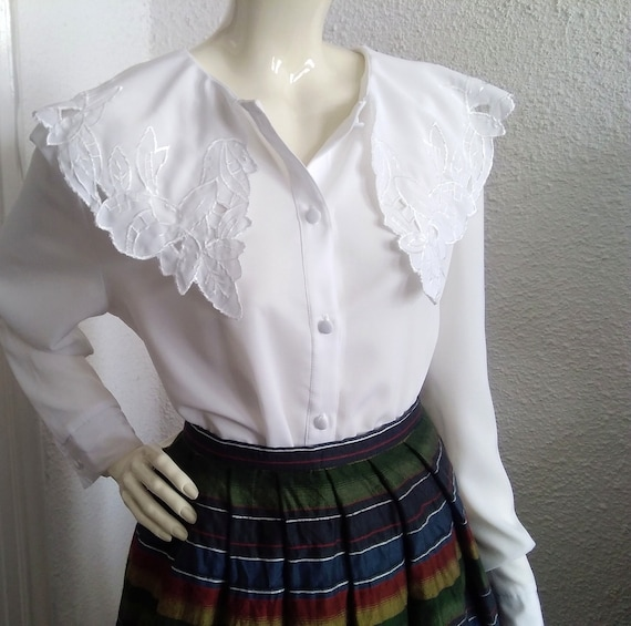 embroidered puritan collar top floral embroidery … - image 6