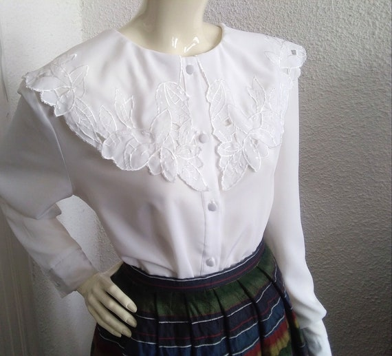 embroidered puritan collar top floral embroidery … - image 7