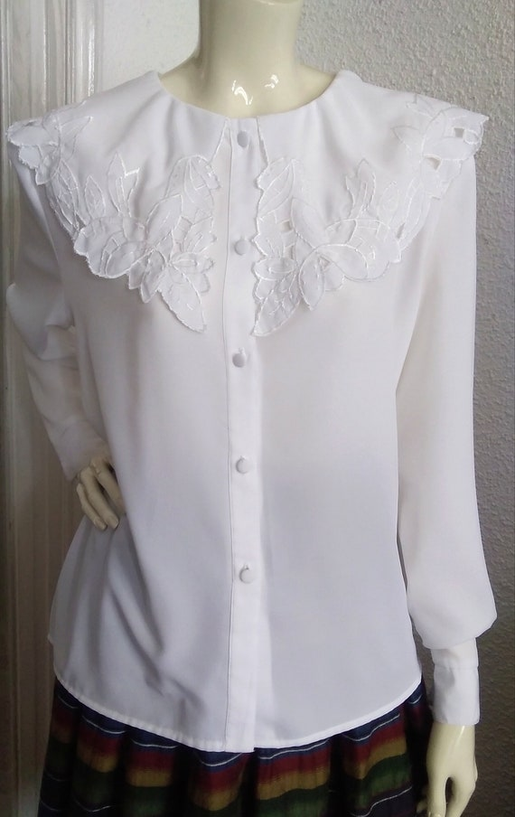 embroidered puritan collar top floral embroidery … - image 10