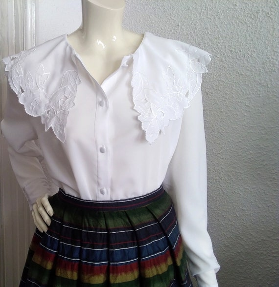 embroidered puritan collar top floral embroidery … - image 8