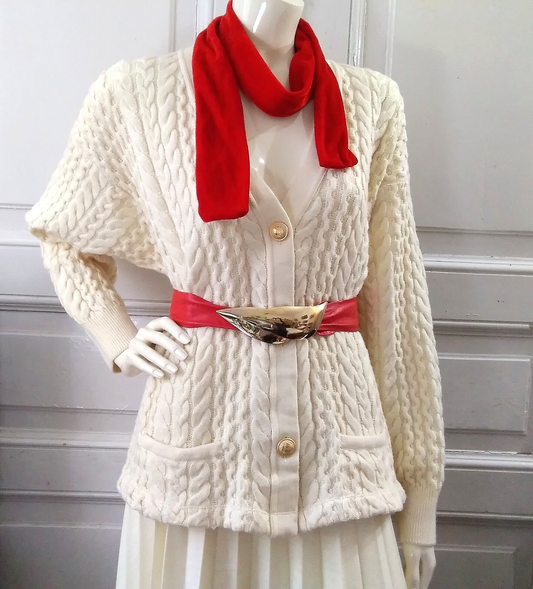 Vintage Scarf Styles -1920s to 1960s Cable Knit Extrafine Merino Wool Sweater Vintage Knitwear Winter Torsade Pattern Pullover Pure New Ribbed V-Neck Cardigan Xl $42.77 AT vintagedancer.com