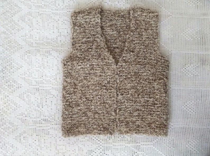90s knitted boucle vest vintage minimalist beige vest folk rustic vest simple basic vest chunky spring vest boxy vest