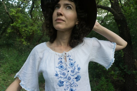 Vintage 70's white embroidered peasant blouse with