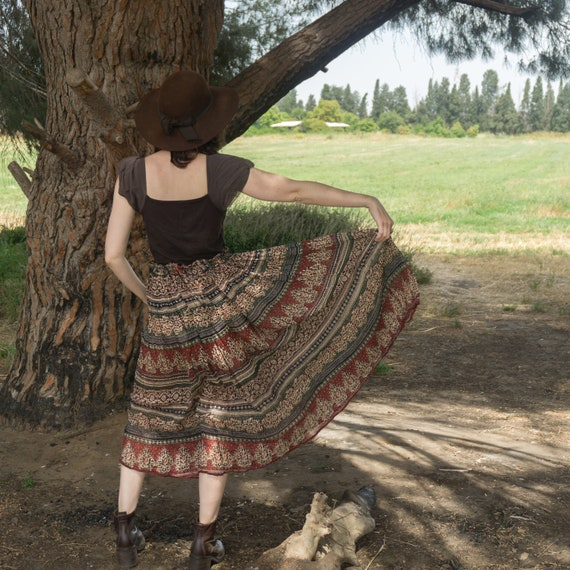 Sport VTG Tan Crinkle Peasant Skirt 80s Vintage Camel Tan Long Skirt 80s A.C