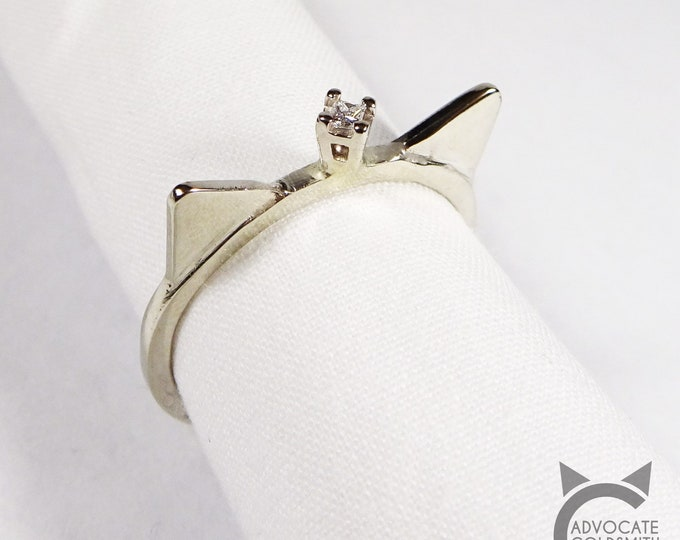 14k White Gold, Solitaire Diamond, Cat Crown Ring💍