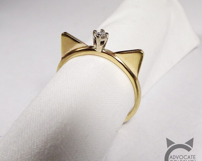 14k Yellow Gold, Solitaire Diamond, Cat Crown Ring💍