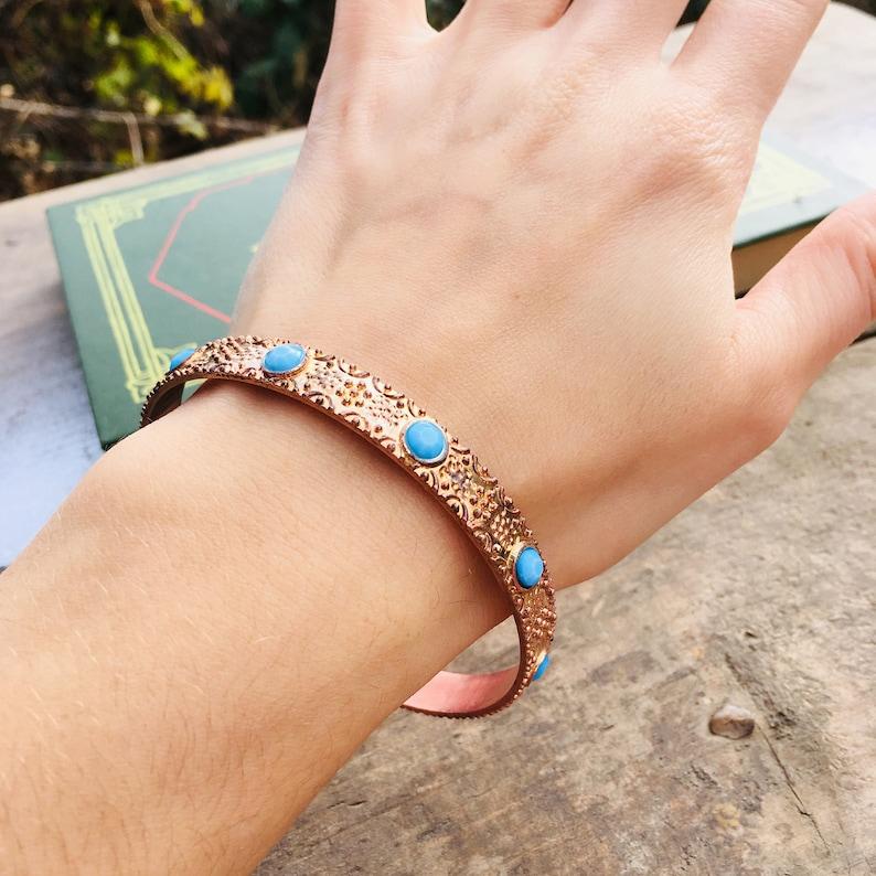 Retro metal bracelet Copper band 80s retro bracelets Vintage copper bracelet Bangle bracelet with blue decor