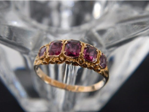 Antique Victorian 15ct Gold Garnet Ring! From The